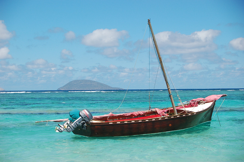 Mauritius Pirogue with Sails