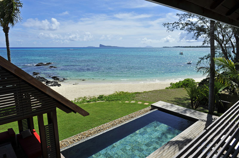 Luxury Beach Villa with Pool Mauritius facing Lagoon – KARMINA DELUXE
