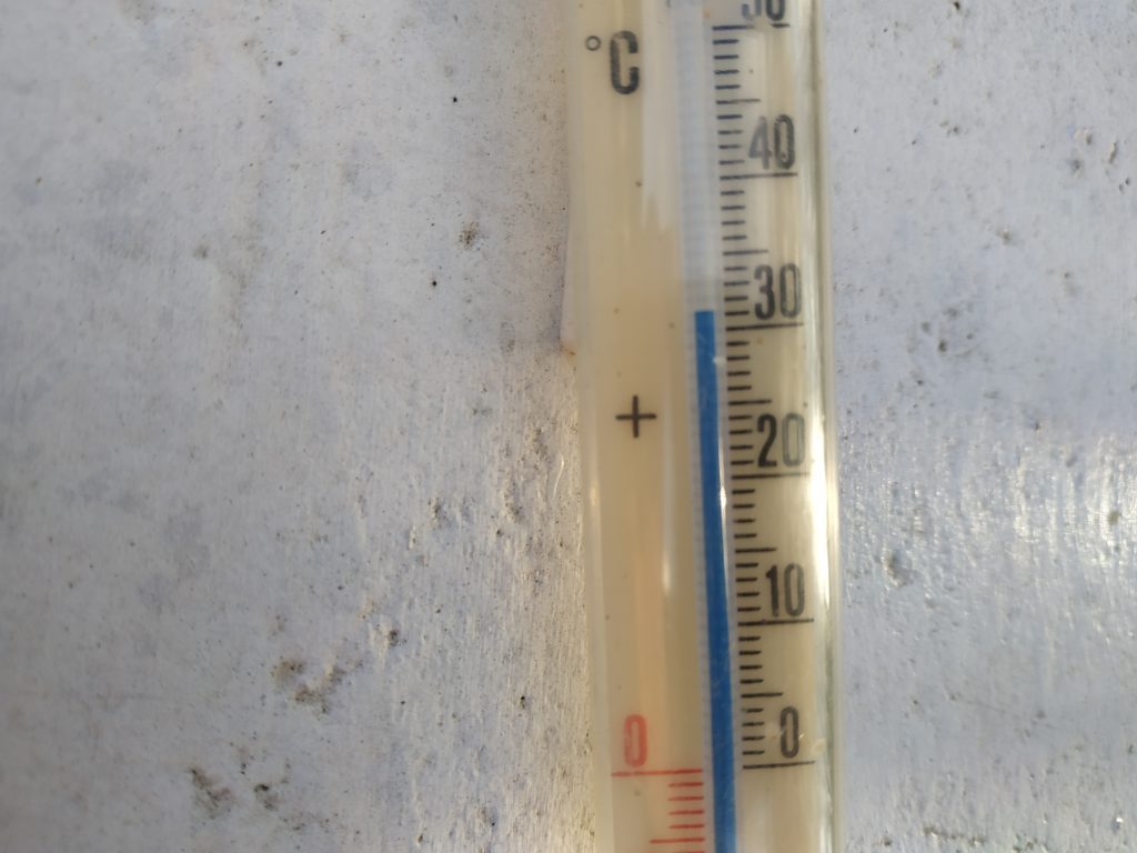Thermometer 1 outside without Roof Coat Mauritius